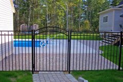 Aluminum-Black-Pool-Code-Doria-with-Arched-Gate_05