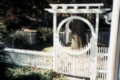 New-England-Arbor-with-Halo-Arch-and-Baluster-Gate_06