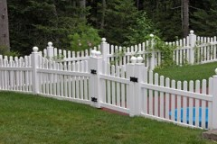 Vinyl-Scalloped-Berkshire-Dog-Eared-Spaced-Picket-with-Gate_04