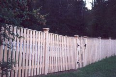 Colonial-Spaced-Board-with-Gate-with-Pencil-Cap_04