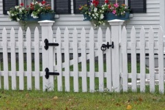 Colonial-Spaced-Picket-with-Gate_01