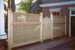 English-Lattice-6-high-with-Arched-Estate-Gate-_05