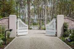 Staggered-Victorian-Spaced-Baluster-Driveway-Gate_04