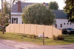 Solid-Straight-Stockade-Picket-Fence-with-Transition-Panels_02