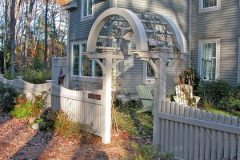 Scalloped-Victorian-Baluster-with-Newport-Arbor_03