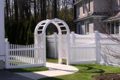 Scalloped-Vinyl-Victorian-Spaced-Picket-with-New-England-Arbor_11